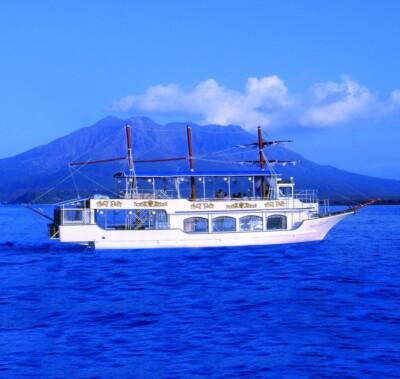 「クイーンズしろやま」に乗船して神瀬灯台砂浜の清掃活動参加者を募集!