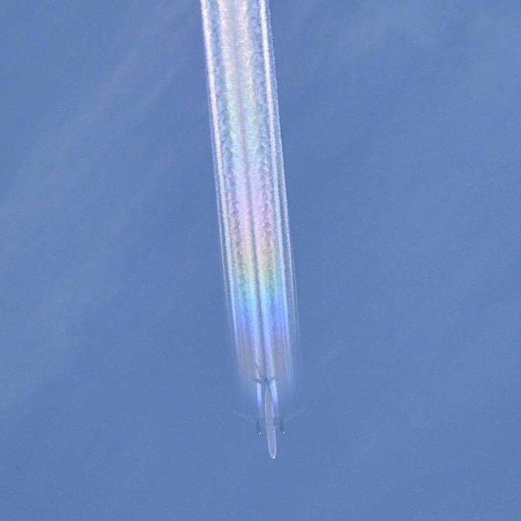幻想的な飛行機雲