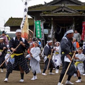 伊勢神社棒踊り